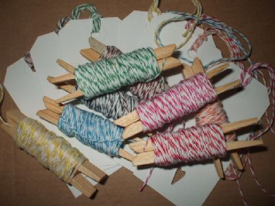 WHITE GIFT TAG  x 80 + 40MTS BAKERS TWINE